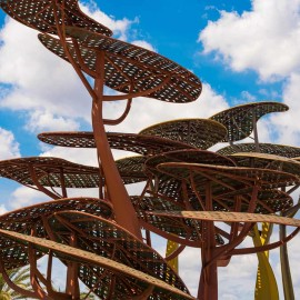Escultura de Los Pinos en la Pineda